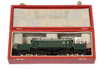Trix Express HO 3-rail 20/60 green livery Class E94 Overhead