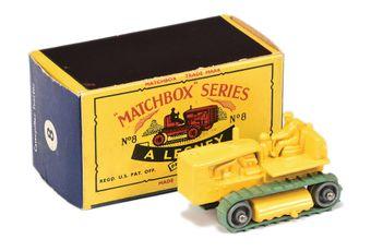 Matchbox Regular Wheels 8C Caterpillar Tractor