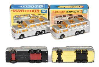 Matchbox Superfast 2 x 66a Greyhound Coach