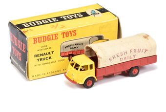 """Budgie Toys 216 Renault """"Fresh Fruit Daily"""" Truck"""