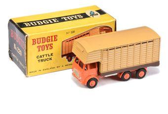 Budgie Toys 220 Cattle Truck - orange cab