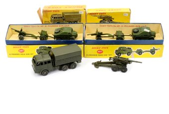 Dinky a boxed Military group to include 2 x 697 25-pounder Field