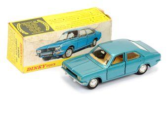 French Dinky 1409 Chrysler 180 - metallic blue
