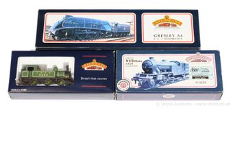 Bachmann OO Gauge LNER Steam Locos comprising 31-952 4-6-2 blue