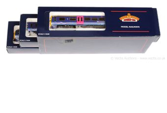 Bachmann OO Gauge 31-028 1st Great Western violet and red livery