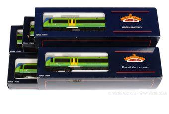 Bachmann OO Gauge Central Trains two-tone green Class 170 Diesel