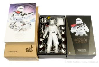 """Hot Toys Star Wars First Order Snowtrooper Officer MMS322 12"""""""