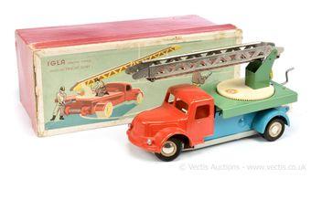 IGLA Russian tinplate and plastic clockwork Fire Engine