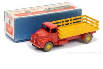 Dinky 531 Leyland Comet Lorry - red cab and chassis