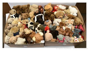 Plush teddy bears