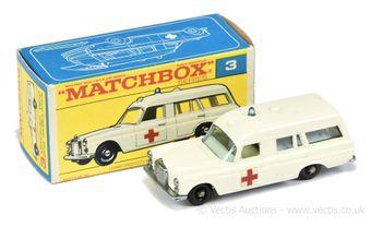 Matchbox Regular Wheels 3c Mercedes Benz Binz Ambulance