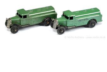 Dinky 25d (Type 3) Tanker - dark green