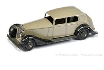 Dinky 30c (Type 3) Daimler - greyish-fawn body