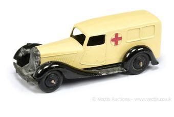 """Dinky 30f Daimler """"Ambulance"""""""