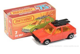 Matchbox Superfast 7c Volkswagen Golf - red body