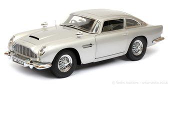 "Eaglemoss ""James Bond"" kitbuilt Aston Martin DB5"