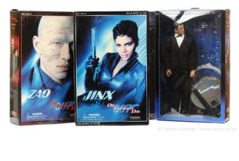 """Sideshow """"James Bond"""" - a group of 3 """"Die Another Day"""" (1)"""