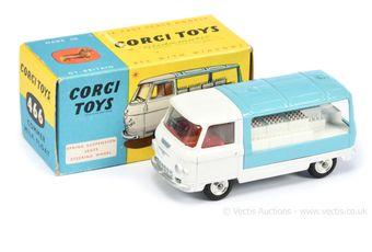 Corgi 466 Commer Milk Float - white cab & chassis