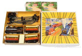 Wells Brimtoy (UK) O Gauge tinplate clockwork Train Set