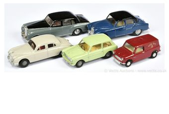 Triang Spot-On unboxed group restored/repainted to include Bentley