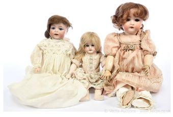 German bisque dolls x three: (1) Kammer & Reinhardt / Simon