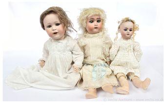 German bisque dolls x three: (1) Cuno & Otto Dressel/Simon