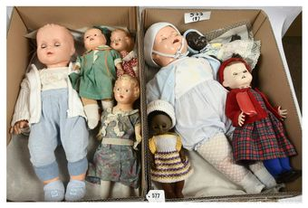 Collection of vintage composition and vinyl dolls x eight