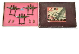 Timpo Toys - Set 3 - Bomber Station