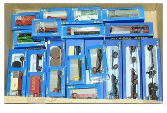 Base-Toys