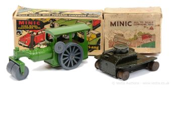 Triang Minic pair of boxed models