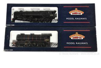 Bachmann OO Gauge BR black Steam Locos comprising 32-851 2-10-0