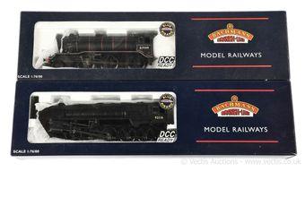 Bachmann OO Gauge BR Steam Locos comprising 32-852 2-10-0 black
