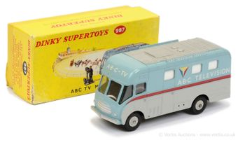 """Dinky 987 """"ABC TV"""" Mobile Control Room - two-tone red"""