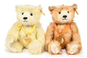 Steiff Danbury Mint Zodiac Birthday pair of teddy bears