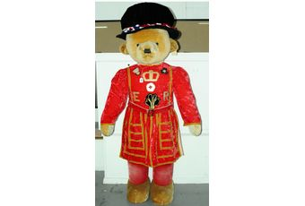 Merrythought Yeoman of the Guard Beefeater 6ft teddy bear