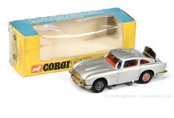 "Corgi 270 ""James Bond"" - Aston Martin DB5 - silver"