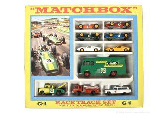 Matchbox Regular Wheels G-4 Race Track gift set containing