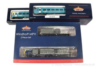 Bachmann OO Gauge Diesel Locos comprising 31-511 2-car Arriva