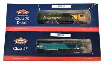 Bachmann OO Gauge Co-Co Diesel Locos comprising 31-588 Freightliner